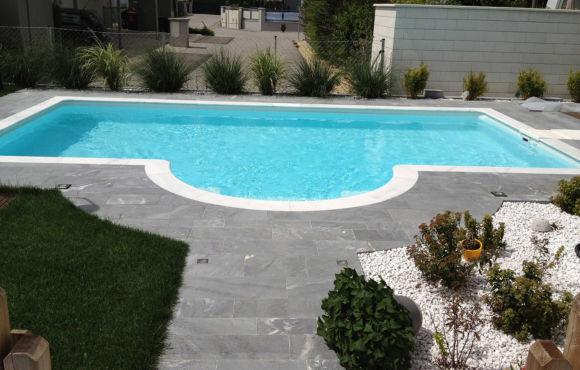 Pool Franz-Lehar-Straße